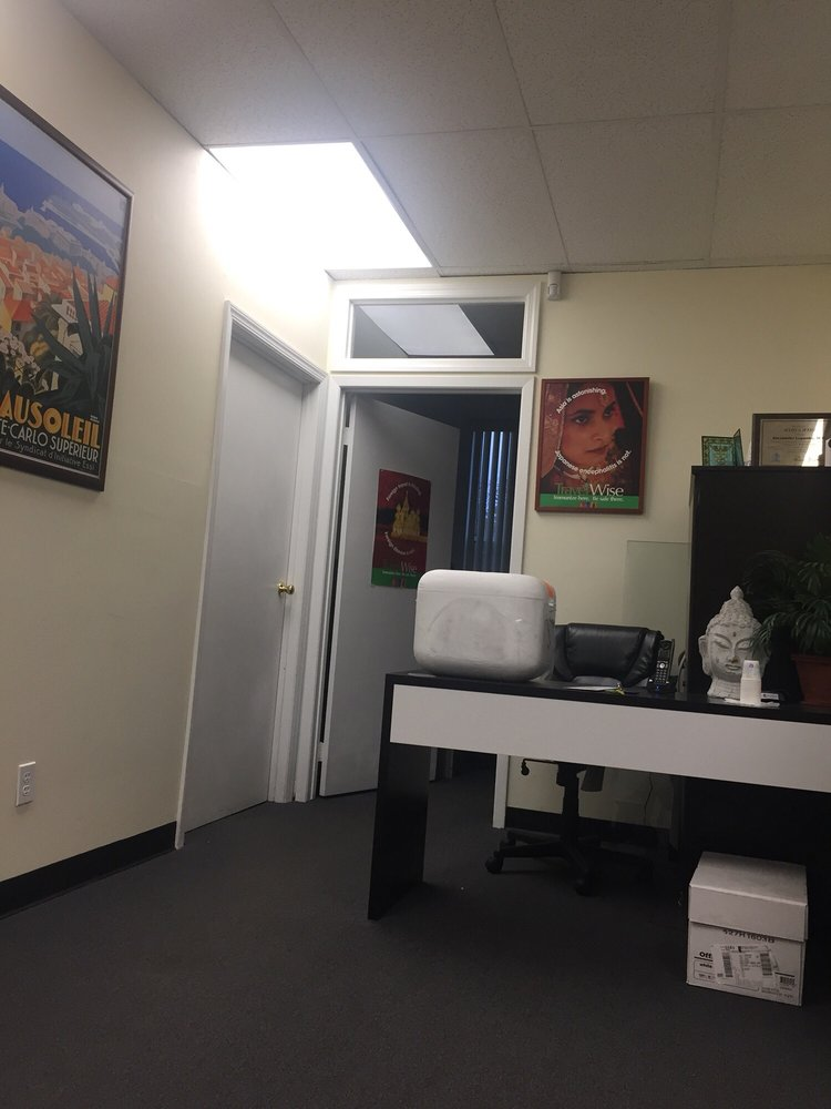 Passport Health: 200 S Service Rd, Roslyn Heights, NY