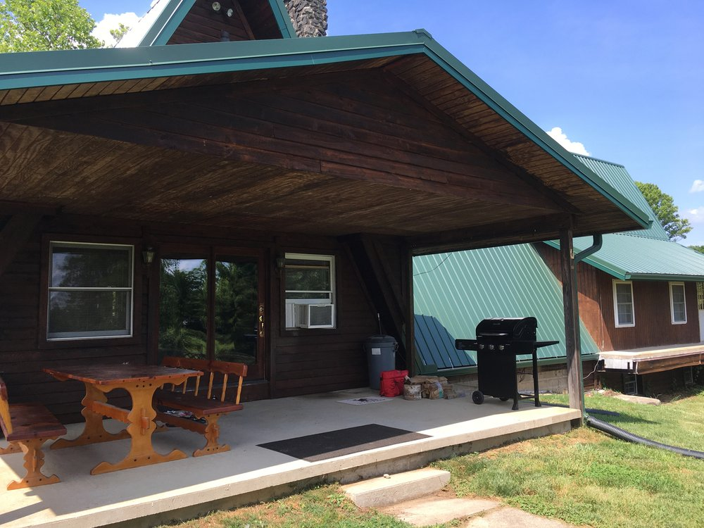 1st Choice Cabin Rentals: 104 E Canal St, Nelsonville, OH