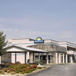 Days Inn By Wyndham Greeneville Hotels 935 E Andrew Johnson Highway Tn Phone Number Yelp