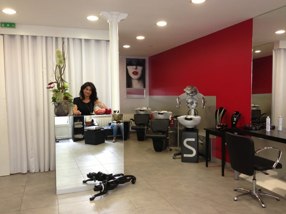 Le salon de coiffure hair salons 34 avenue parmentier for Salon haute coiffure paris