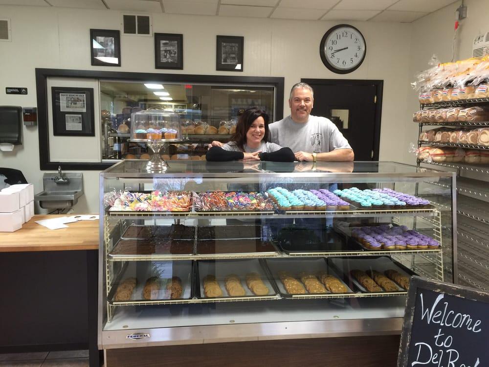 New Delray Baking Company: 14702 Allen Rd, Taylor, MI