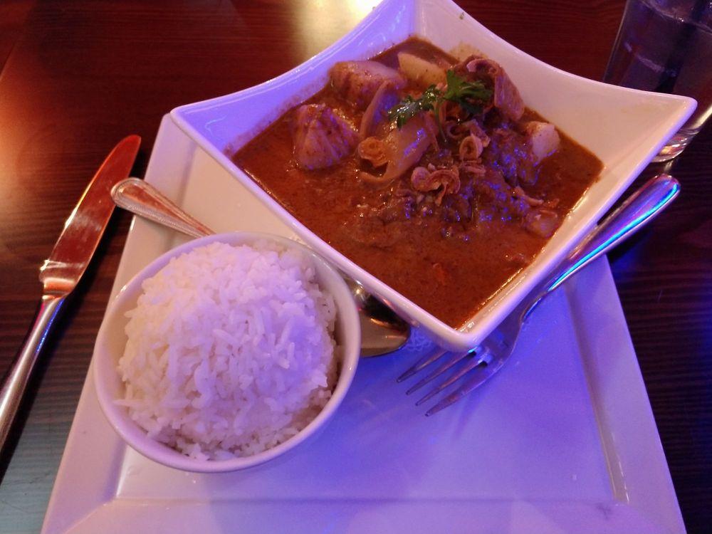 Sumittra Thai Cuisine: 12 E Patrick St, Frederick, MD