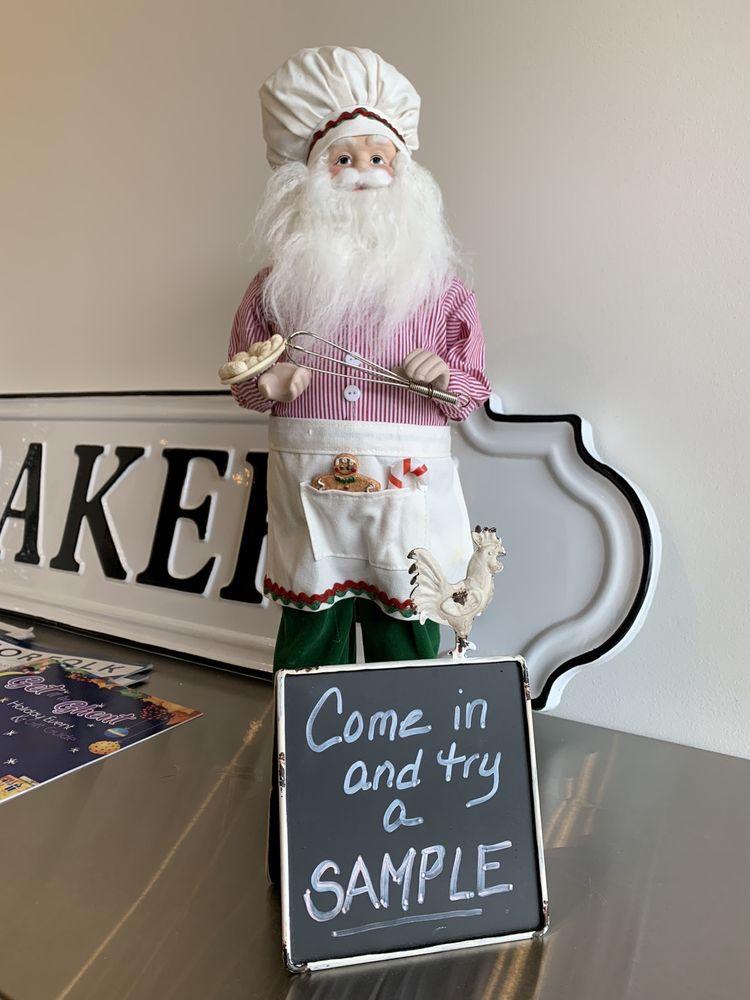 Pownd Cakes by Jen: 314 W 21st St, Norfolk, VA