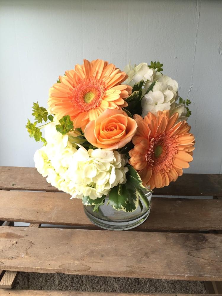 The Flower Girl: 108 S 5th St, Middletown, IN