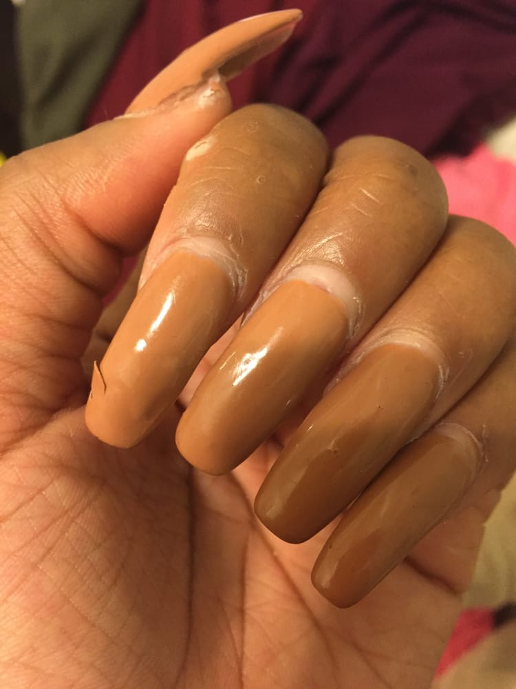 Only a week and my gel nails peeling off Smh - Yelp