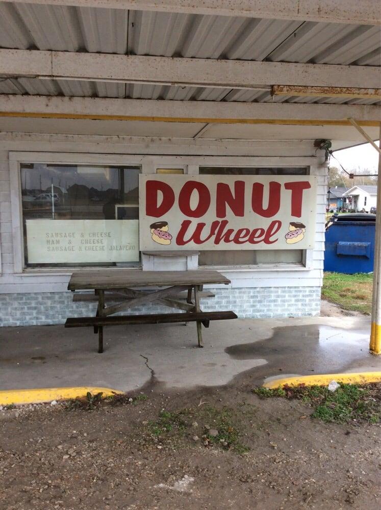 Doughnut Wheel: 202 W Hwy 90, Iowa, LA