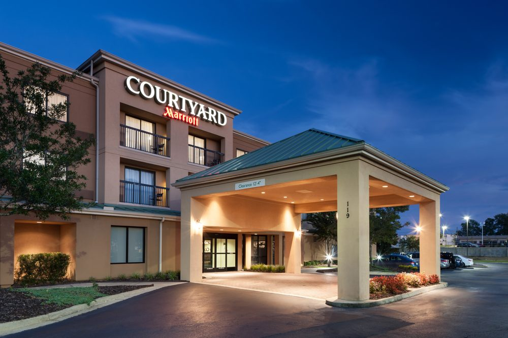 Courtyard by Marriott Hattiesburg: 119 Grand Dr, Hattiesburg, MS