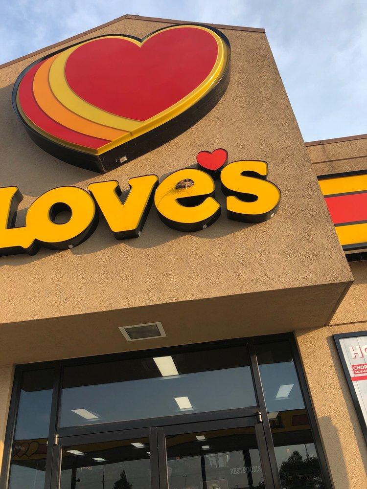 Love's Travel Stop: 100 Love's Industrial Dr, Matthews, MO