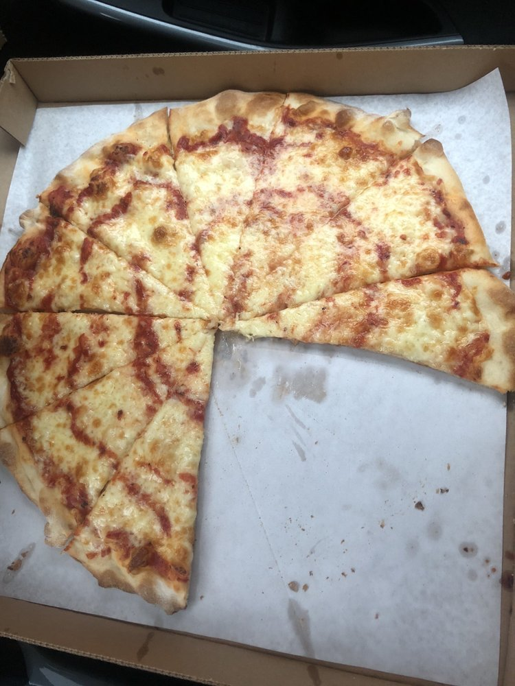 Shelley's American Pie: 273 Union St, Luzerne, PA