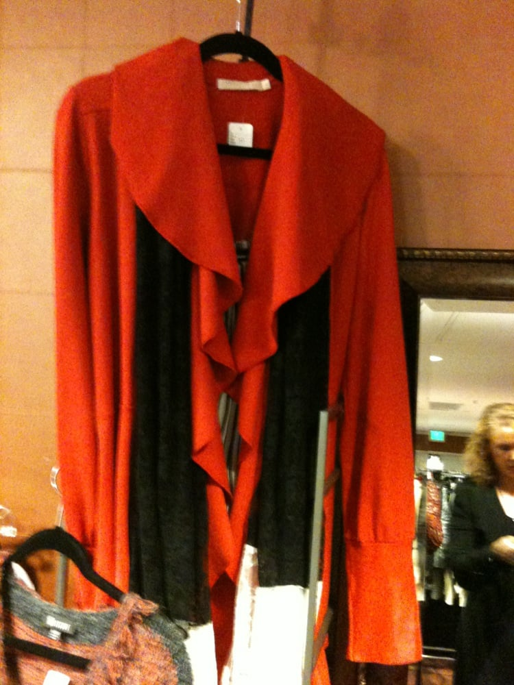 Fashion This!: 4930 Calle Robleda, Agoura Hills, CA