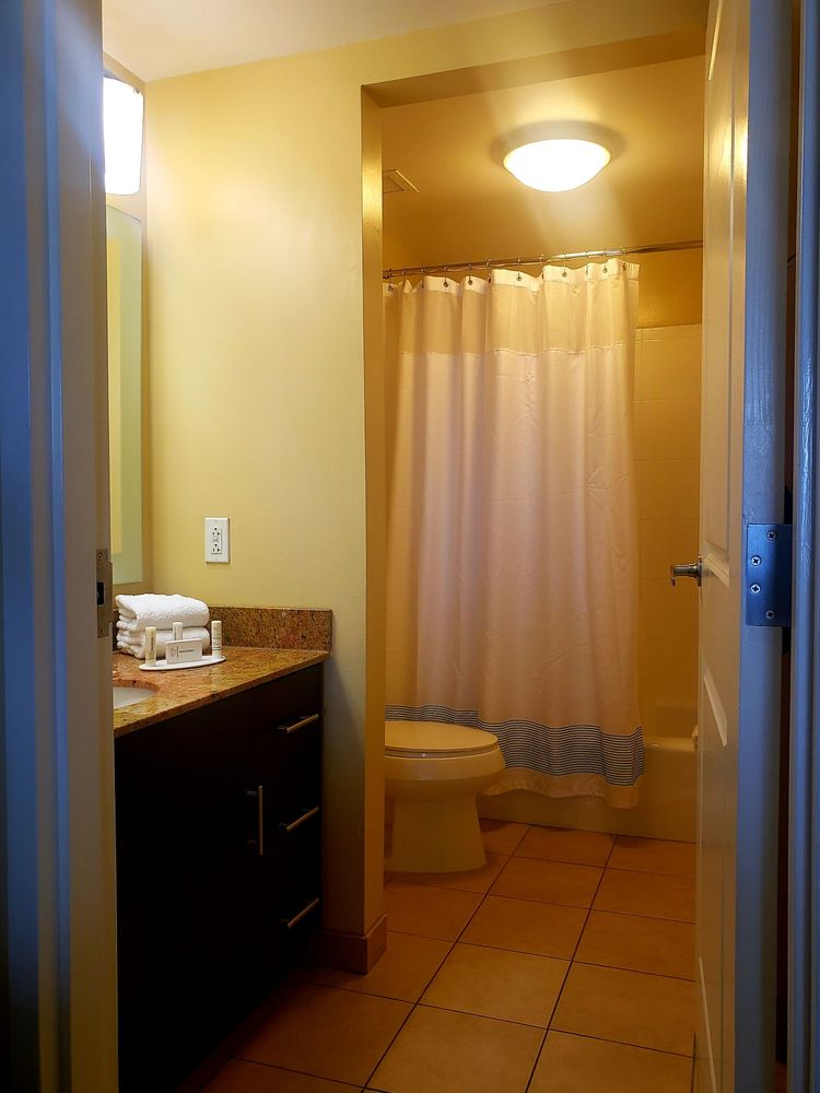 TownePlace Suites by Marriott Bethlehem Easton - 32 Photos