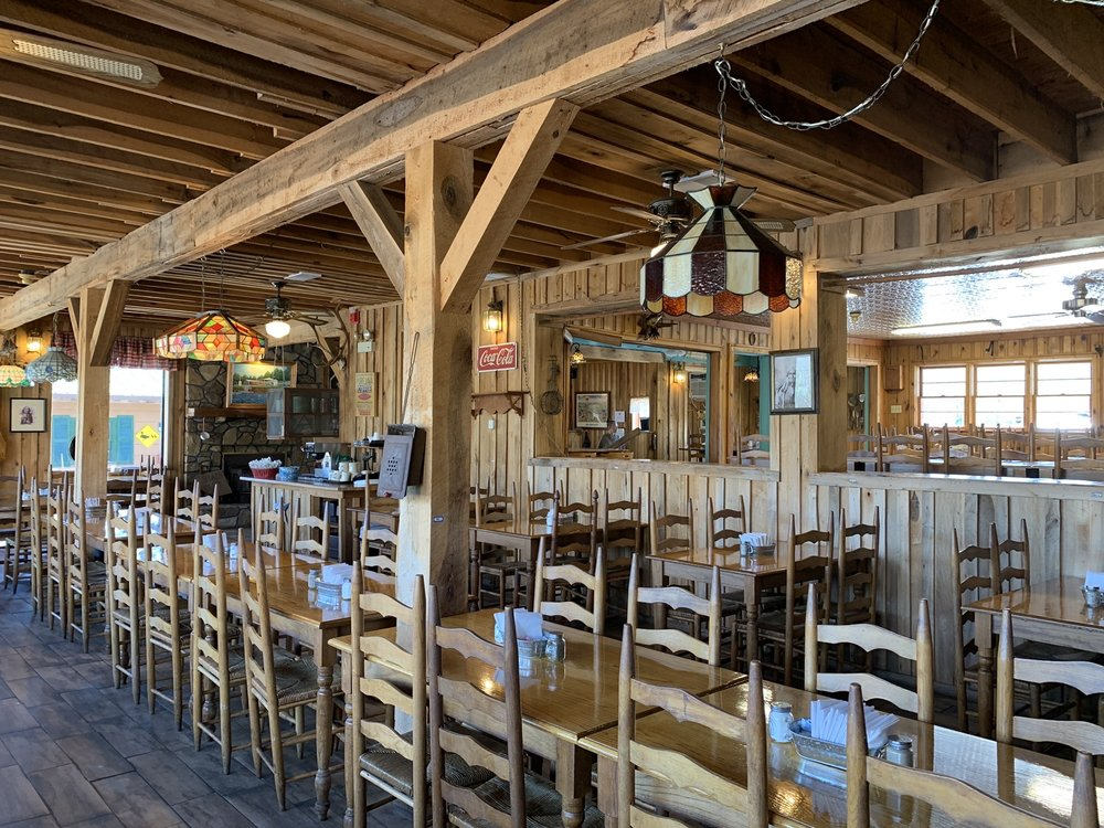 Shady Cliff Restaurant Lodge & Marina: 530 Lake Malone Rd, Lewisburg, KY