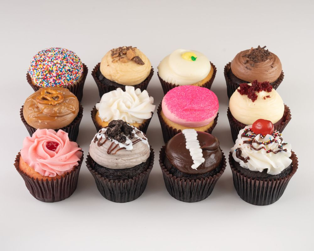 Smallcakes Cupcakery and Creamery: 13141 City Station Dr, Jacksonville, FL