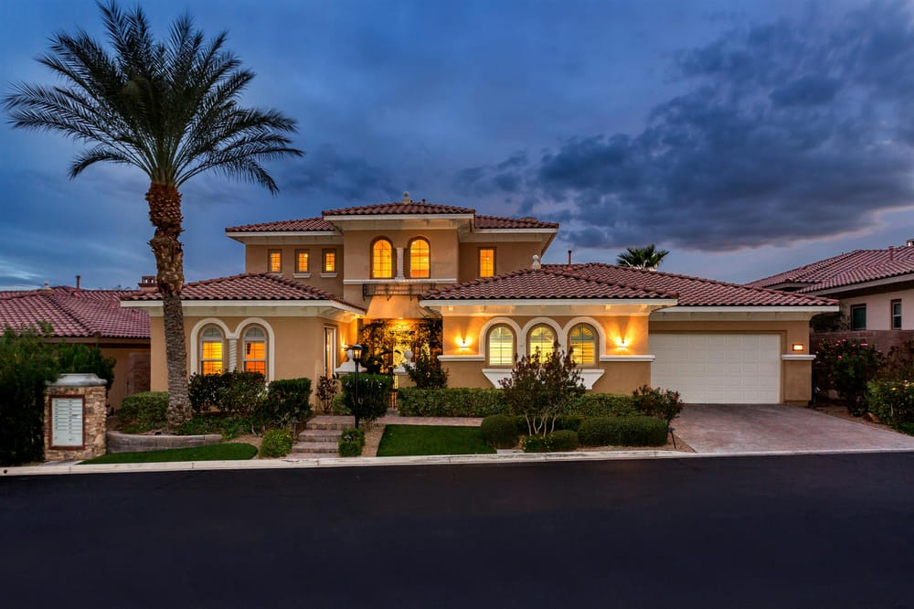 Luxury home for sale lake las vegas under one million for Million dollar homes for sale in las vegas