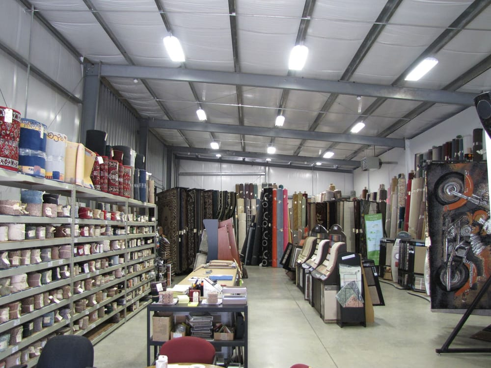 Chuck's Carpet Outlet: 125 W 7th Ave, Tarentum, PA