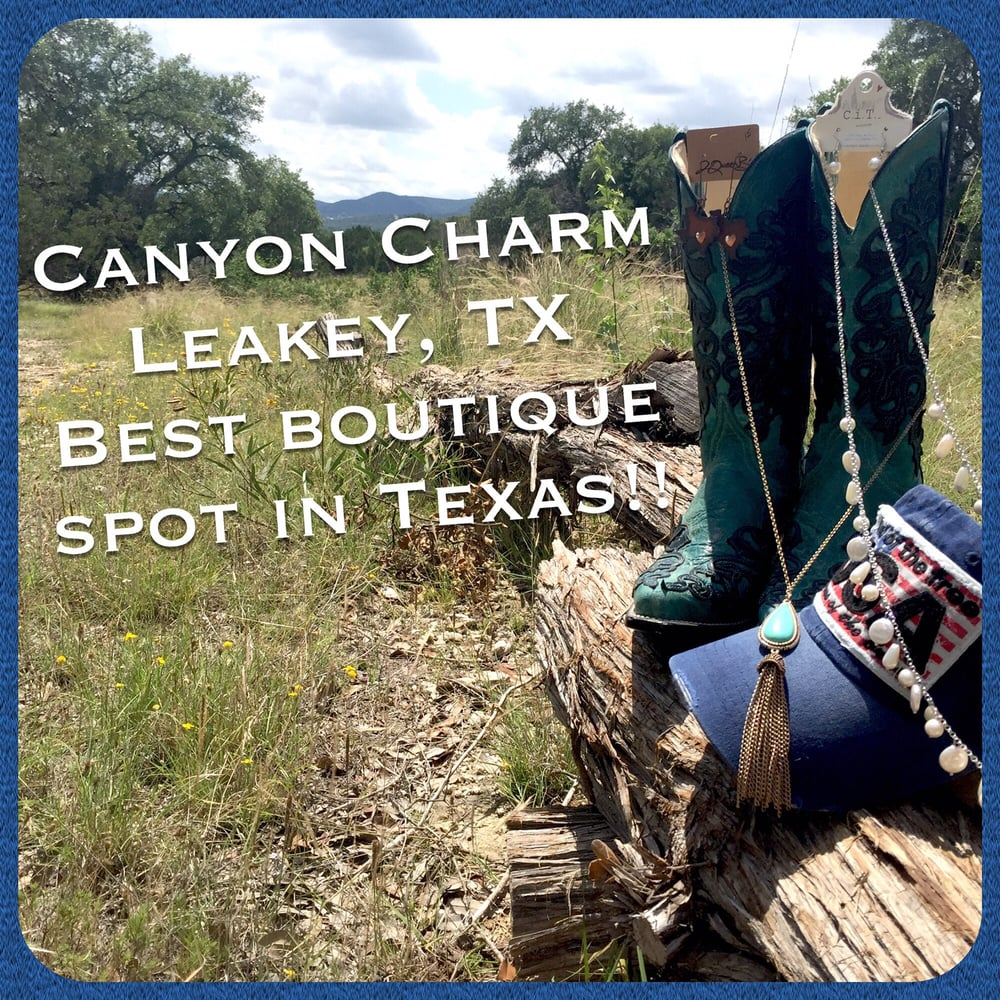 Canyon Charm: 1034 S US Hwy 83, Leakey, TX