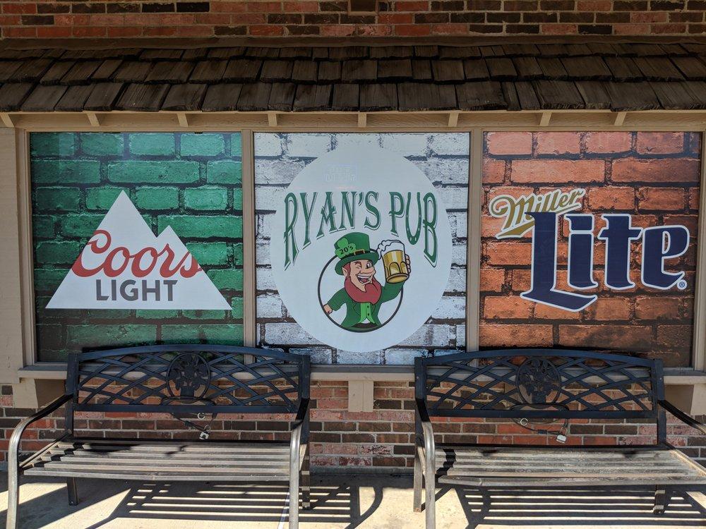 Ryan's Pub: 2910 SW Oakley Ave, Topeka, KS