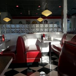 Rock N Roll Diner CLOSED 11 Photos 27 Reviews American