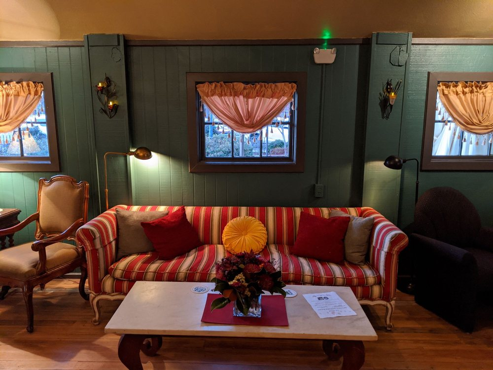 Just Chillin in Comfort: 702 High St, Comfort, TX