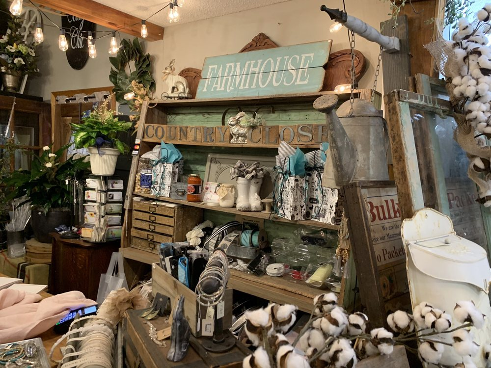 The Country Closet: 12835 County Rd 290, Carl Junction, MO