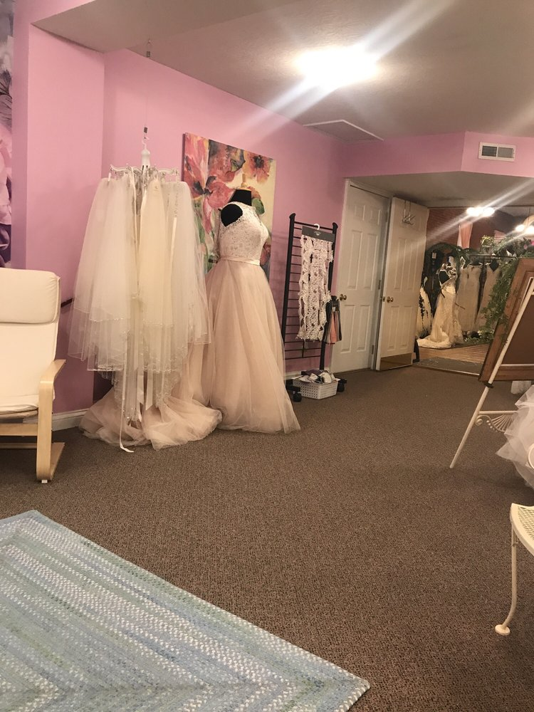 Unique Boutique and Bridal: 33 N Washington St, Knightstown, IN