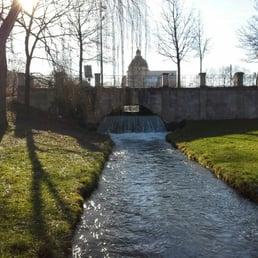 wasserfalle im garten, wasserfall im englischen garten - landmarks & historical buildings, Design ideen
