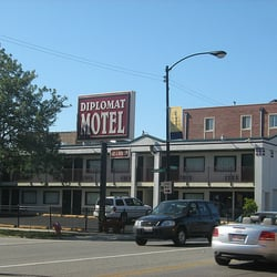 Diplomat motel hotels 5230 n lincoln ave lincoln for Budget hotels in chicago