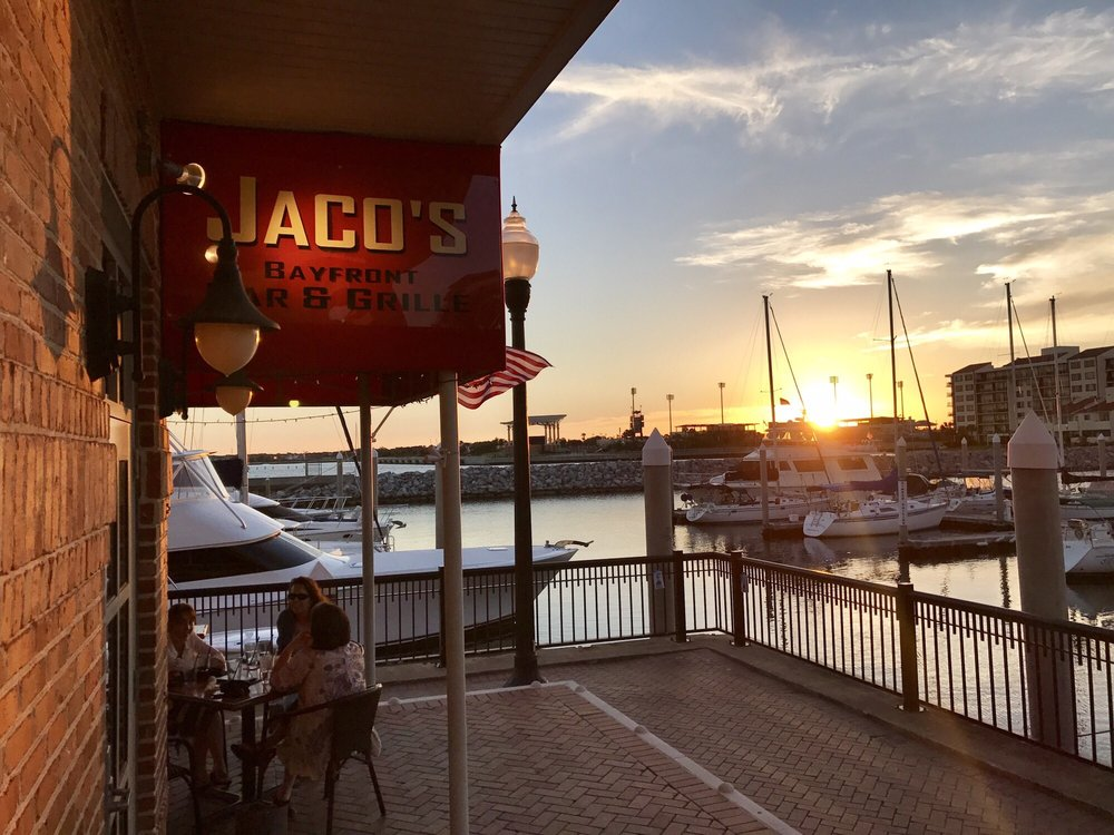 Inexpensive Restaurant Near Front And Bay