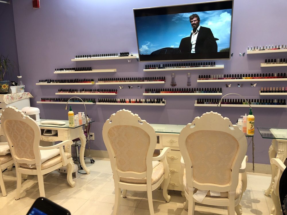 Allure Nail Bar: 1675 The Chase Square, Mississauga, ON