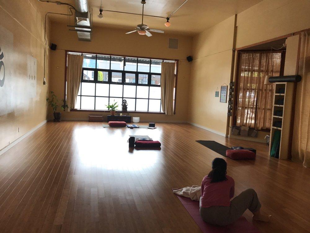 Twist Yoga - Edmonds