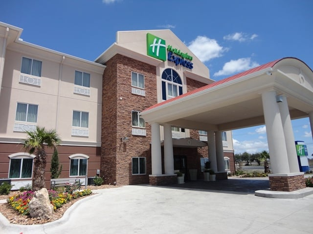 Holiday Inn Express Kenedy: 4268 S Highway 181, Kenedy, TX