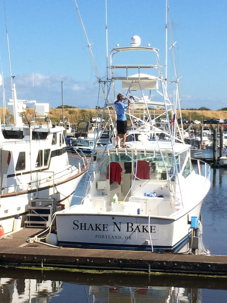 Photos for shake n bake sportfishing yelp for Ilwaco wa fishing charters