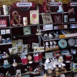 Putnams Hallmark Shop Closed Gift Shops 689 Main St