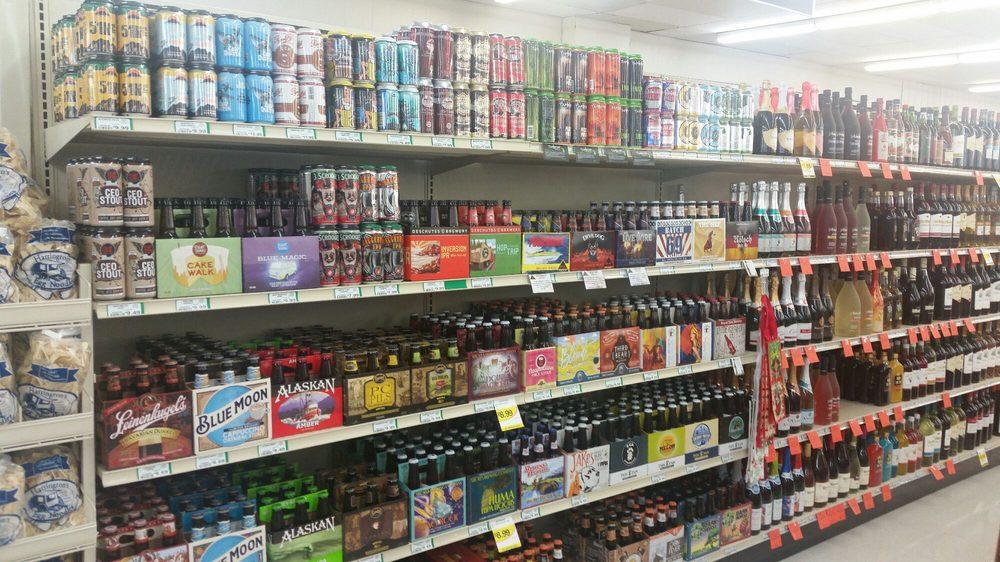 Harding's Friendly Market: 10 N Center St, Hartford, MI