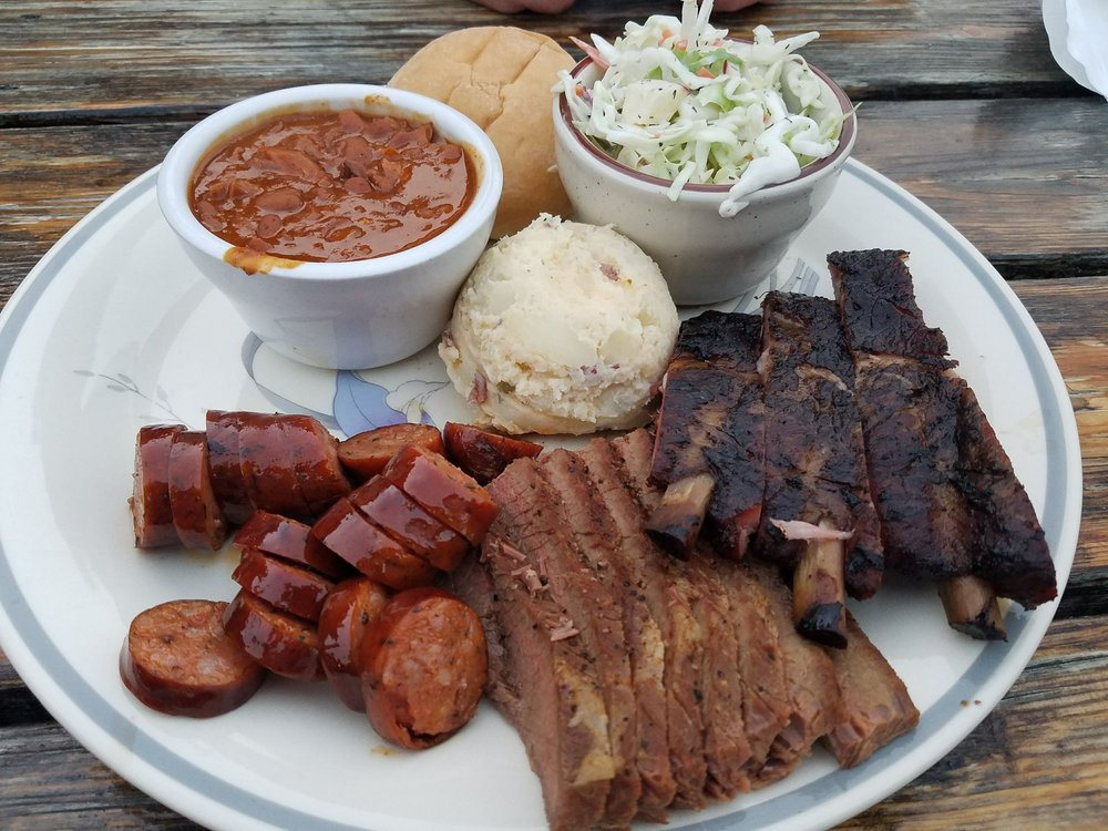 Famous Willies BBQ: 107 E 7th Ave, Post Falls, ID