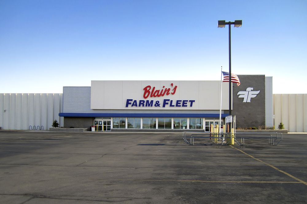 Blain's Farm & Fleet - Cedar Falls: 219 Brandilynn Blvd, Cedar Falls, IA