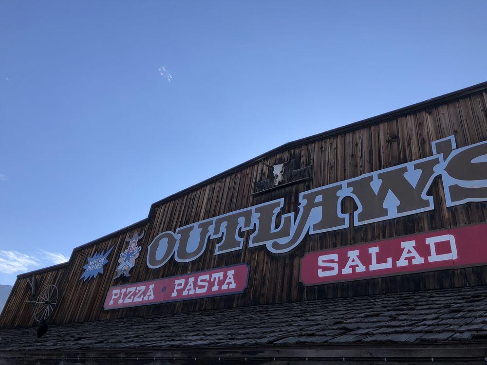 Outlaw's Pizza: 906 Scott St, Gardiner, MT