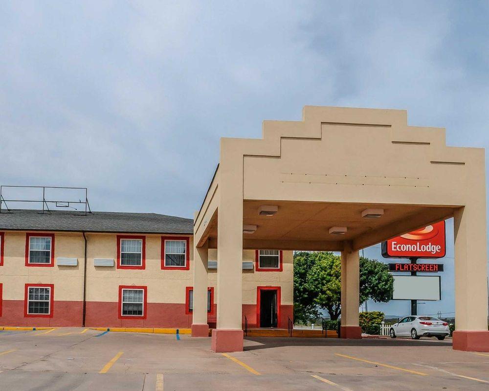 Econo Lodge: 3400 E Tucumcari Blvd, Tucumcari, NM
