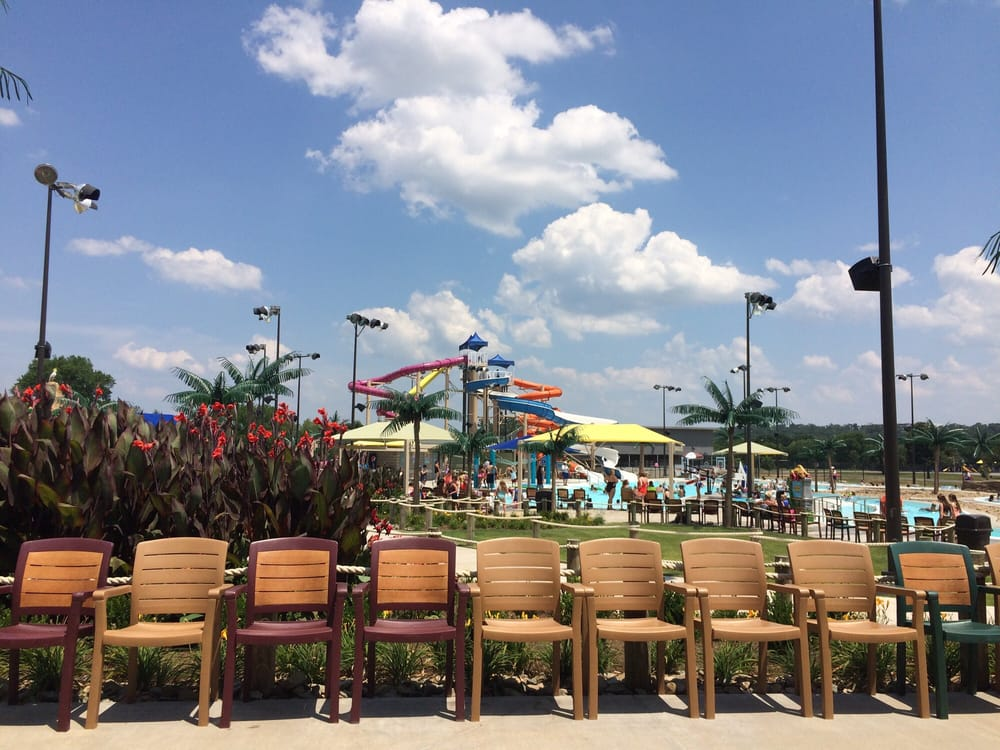 Parrot Island Waterpark: 7300 Zero St, Fort Smith, AR