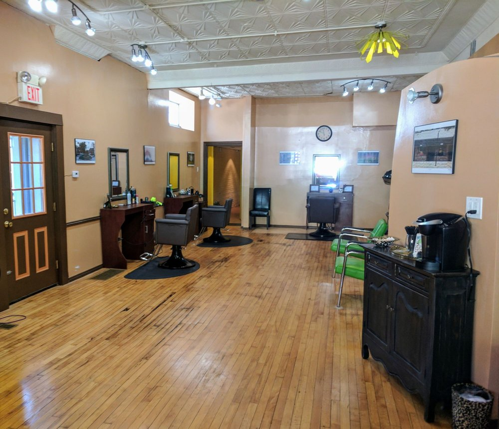 Salon Mèlange: 1218 Tamm Ave, Saint Louis, MO