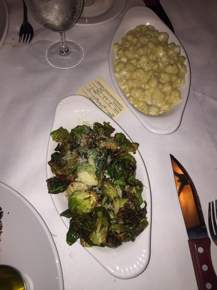 The Hill Seafood & Chop House: 123 Kercheval Ave, Grosse Pointe Farms, MI