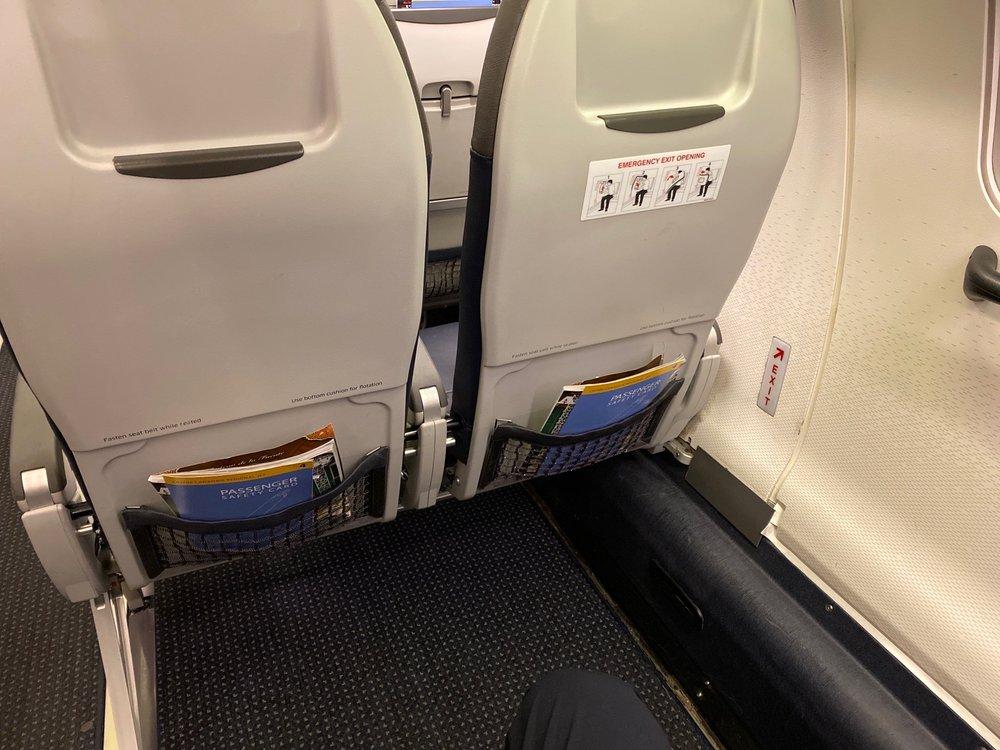 American Airlines: 5800 Fleur Dr, Des Moines, IA