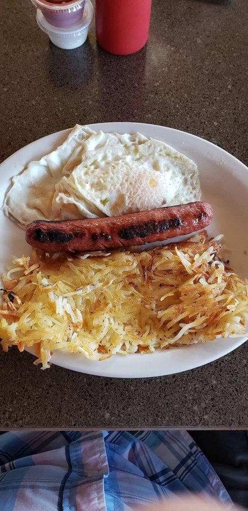 Pine Grove Junction Café: 16267 N Hwy 21, Republic, WA