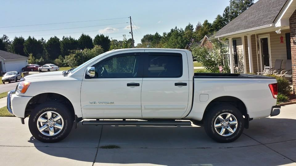 2014 Nissan Titan 4x4 With Readylift 1 5 Quot Front Leveling
