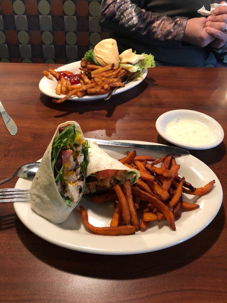 Julwin's Restaurant: 411 Fairhope Ave, Fairhope, AL