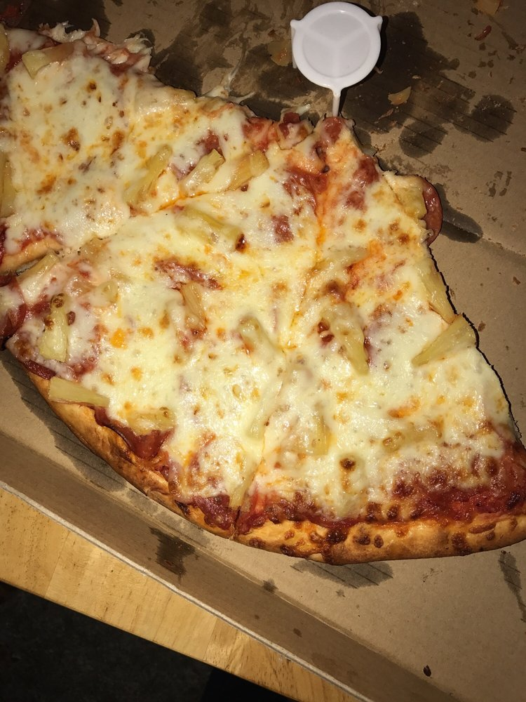 Ricco's Pizza: 4135 Gage Ave, Bell, CA