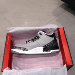 Foot Locker - 13 Reviews - Shoe Stores - 552 W Hillcrest Dr ... 44f274e61