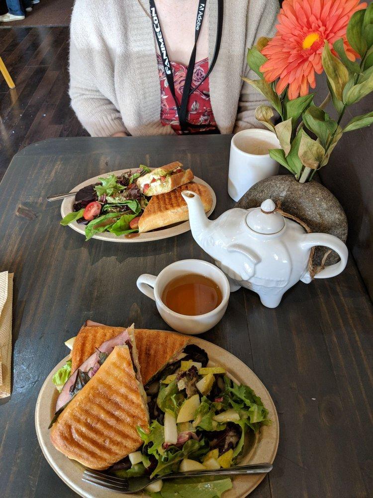 Cafe Zoe: 1929 Menalto Ave, Menlo Park, CA