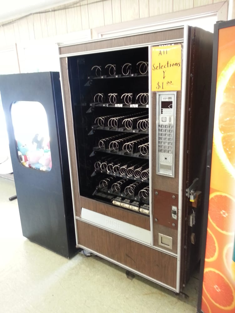 how to break into a vending machine