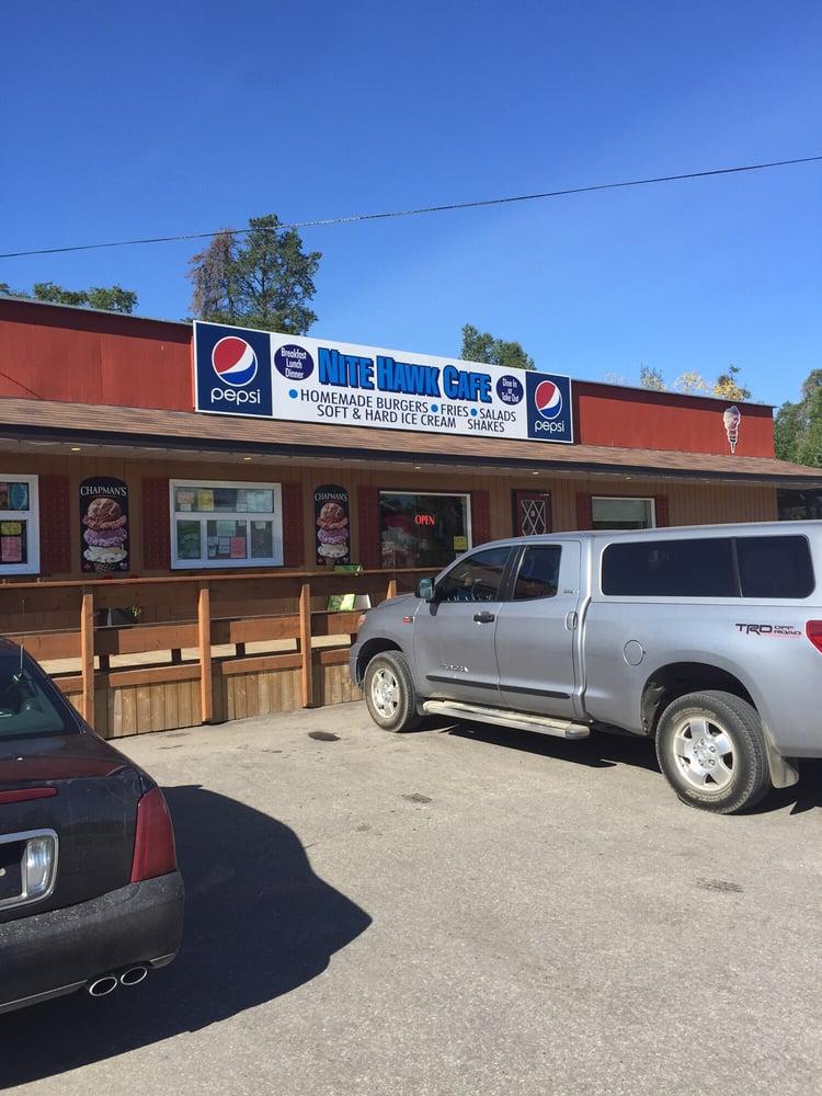 Nite Hawk Cafe: Provincial Trunk Highway 44, West Hawk Lake, MB